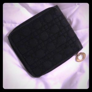 ❤️AUTH CHRISTIAN DIOR COMPACT ZIP WALLET❤️